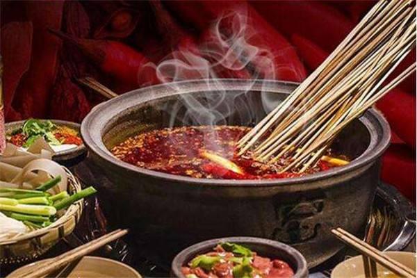 选择砂锅串串香的砂锅有讲究
